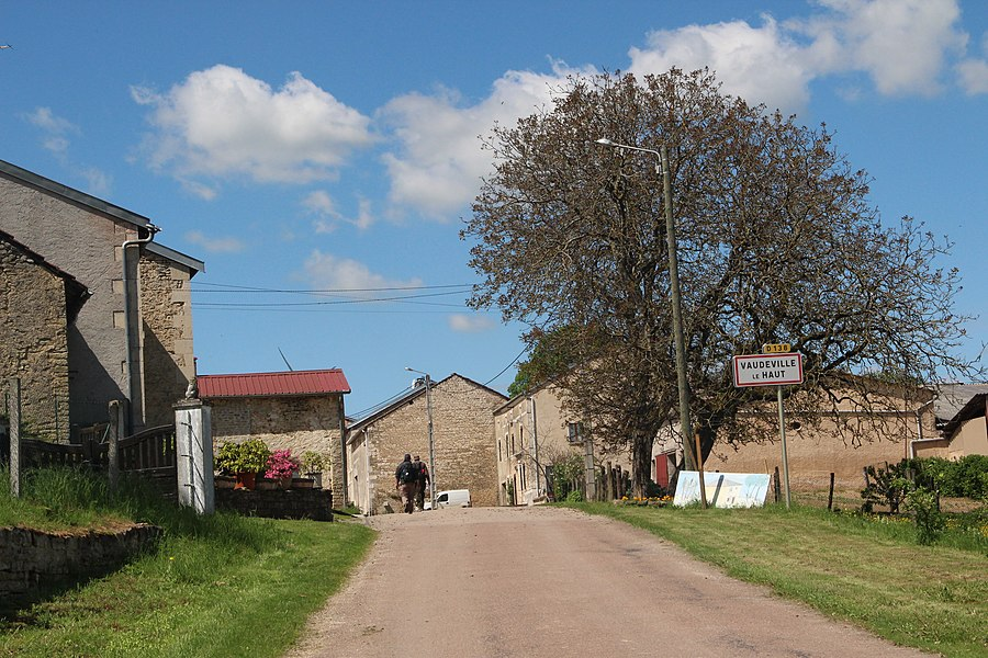 Jakobsweg by Niederkasseler   France -- Vaudeville le Haut