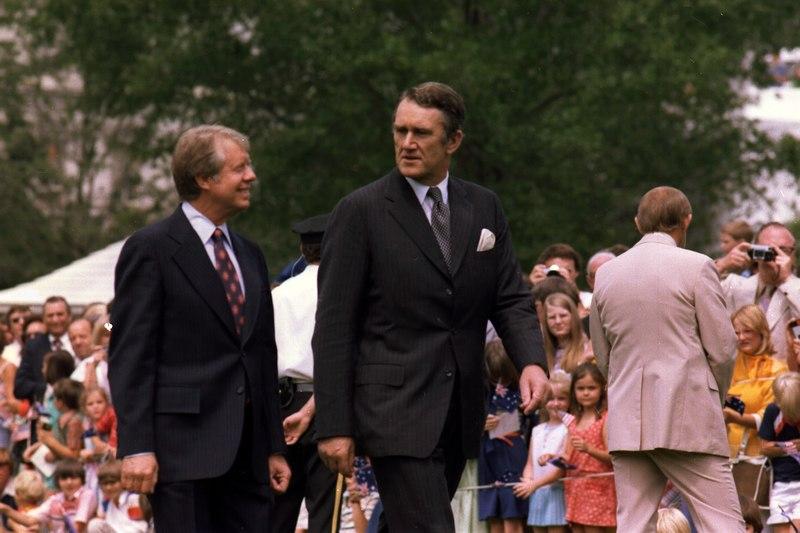 File:Jimmy Carter and John Fraser, Prime Minister of Australia - NARA - 175235.tif