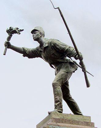 https://upload.wikimedia.org/wikipedia/commons/thumb/e/ec/Juan_Santamar%C3%ADa_escultura_de_Aristide_Croisy_1840_1899.jpg/330px-Juan_Santamar%C3%ADa_escultura_de_Aristide_Croisy_1840_1899.jpg