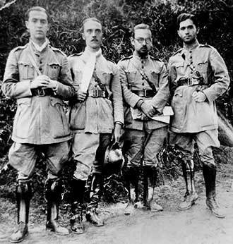 Juscelino Kubitschek - Kubitschek (left) and others during the Constitutionalist Revolution in 1932. Kubitschek served as a medic during the conflict.