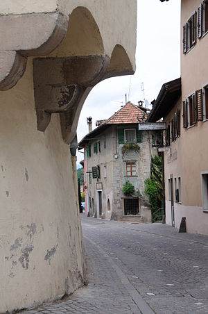 Kaltern an der Weinstraße - Image: Kaltern 0804