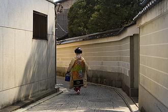 Kamishichiken - Maiko (geisha apprentice) in Kamishichiken