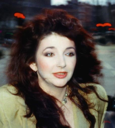 Kate Bush at 1986 Comic Relief (cropped)