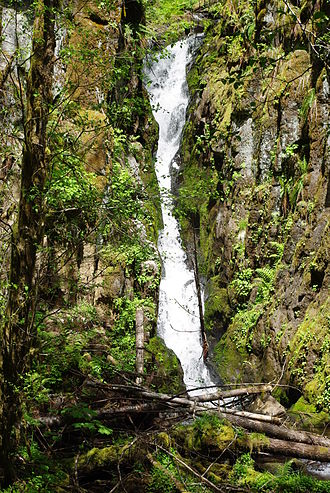 Ki-a-Kuts Falls - Image: Ki a Kuts Falls vertical 2