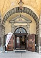 Klagenfurt Pfarrkirche hl. Egid Renaissance-Portal 23052020 9054.jpg