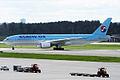 Korean Air, HL7574, Boeing 777-2B5 ER (16270749197).jpg