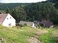Krakovec, pohled do údolí, č. p. 5, 7 a 21.jpg