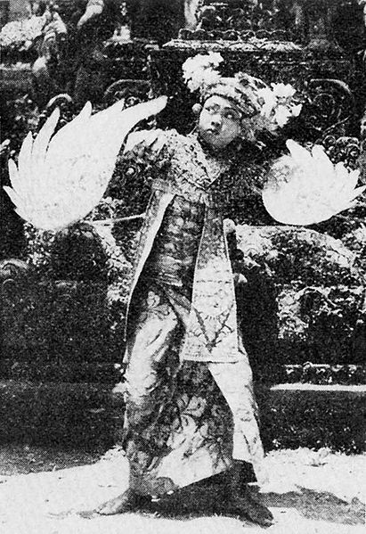 File:Kupu-kupu dance, Bali Where, What, When, How, p25.jpg