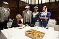 La alcaldesa se reúne con la junta directiva de la Agrupación de Madrileños y Amigos Los Castizos 10.jpg