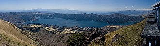 Mount Hakone - Image: Lake Ashi from Mt.Komagatake 02