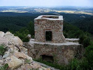 Burgruine Landsee - Blick nach Osten auf die Kleine Ungarische Tiefebene