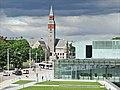 Le musée national et la nouvelle maison de la musique (Helsinki).jpg