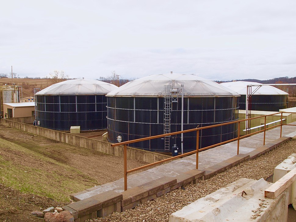 Leachate processing tanks