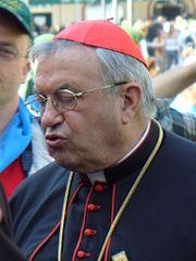Bischof Karl Kardinal Lehmann am Tag des Besuches von Papst Benedikt XVI. auf dem Kapellplatz in Altötting