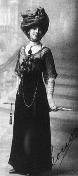 Leonor Acevedo Suárez - Leonor Acevedo, circa 1900