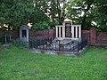 Libčice nad Vltavou, evangelický hřbitov, hrob Procházkových z Chejnova.jpg