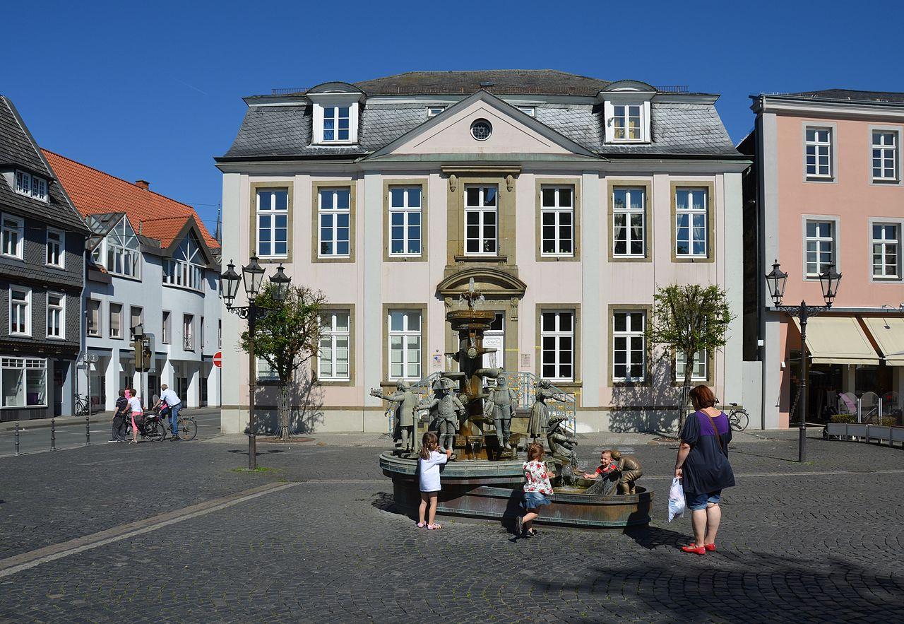 Datei:Lippstadt Lange Straße 15 Standesamt 01.jpg - Wikipedia
