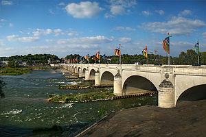 Centre-Val de Loire - Pont Wilson, Tours