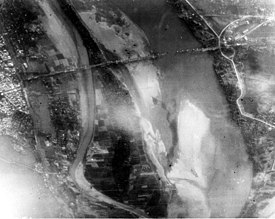 Long Bien Bridge destroyed by LGBs 1972.jpg