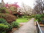 File:Lucas Gardens, London Borough of Southwark, SE5 (2428400129).jpg