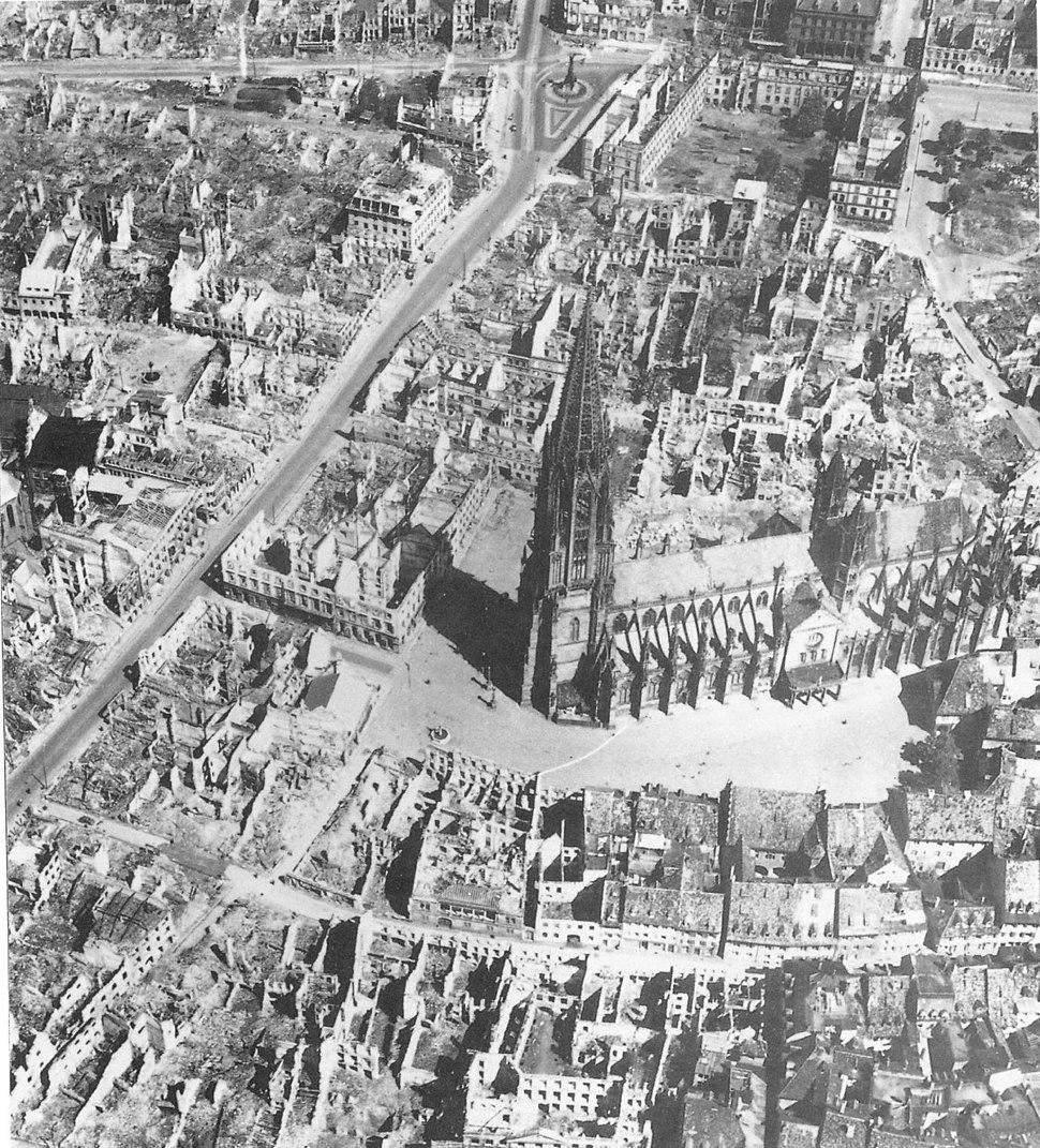 Luftbild Freiburg 1944