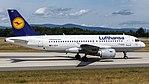 Lufthansa Airbus A319-100 (D-AILR) at Frankfurt Airport (2).jpg