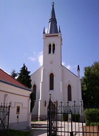 Lutheran church Pápa front.jpg
