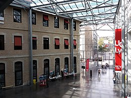 Lyon 2e - Place des Archives - Campus Saint-Paul de l'UCLy (13).jpg