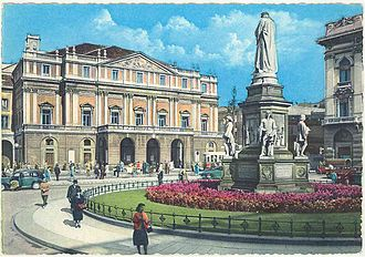 Piazza della Scala - Piazza della Scala in the 1960s, looking north-west; the monument to Leonardo, La Scala on the background, and a corner of the Banca Commerciale Italiana Palace on the far right