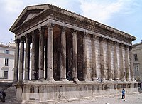 The Roman Maison Carrée, Nîmes, illustrating the Roman version of a stylobate