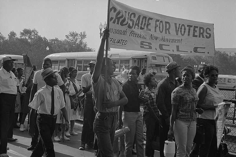 File:Marchers with SCLC sign for the Savannah Freedom Now Movement.jpg