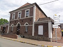 Maresches(Nord,Fr) mairie.JPG