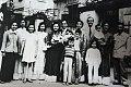 Mariage de la mariée Phạm-thị-Phú et le marié Phước à Hanoï en 1956.jpg