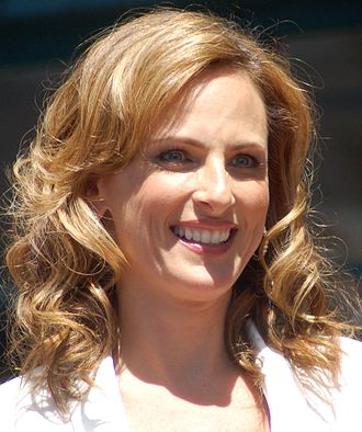 Marlee Matlin - Matlin receiving a Motion Pictures Star at the Hollywood Walk of Fame in 2009