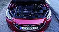 Mazda2 1.5 SKYACTIV-G 115 i-ELOOP Sports-Line Rubinrot-Metallic Motorraum.jpg