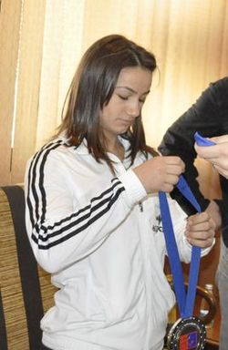 Memli Krasniqi meeting Majlinda Kelmendi (cropped).JPG