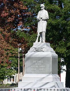 Memorial to American Civil War veterans in Bethel, Maine.jpg