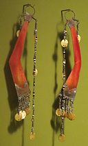 Men's ear pendants, Ilongot, Honolulu Museum of Art 8368.1.JPG