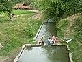 Mencuci di sungai - panoramio.jpg