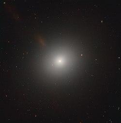 Messier105 - HST - Potw1901a.jpg