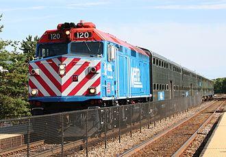 Milwaukee District / North Line - Image: Metra City of Woodstock in Deerfield