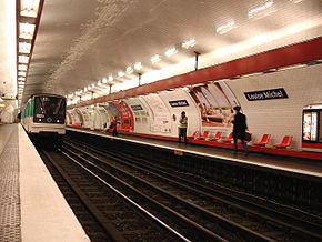 Metro Paris - Ligne 3 - station Louise Michel 03.jpg