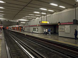 Tacubaya - Metro line 1 platforms