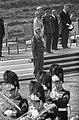 Militaire parade bij Ede voor koningin Juliana en prins Bernhard, Bestanddeelnr 911-2199.jpg