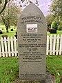 Minnestøtte (Memorial stone) over Præriepresten (The Pioneer Minister) Ole Ivarson Sætre ved Emigrantkyrkja (Brampton Lutheran Church, North Dakota), Radøy, Hordaland, Norway 2017-10-03 b.jpg