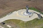 Miskahuszár szobra légi felvételen, Pákozd.jpg