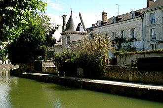 Montargis - The Briare Canal in Montargis