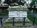 Monument to John Bunyon, Bunhill Fields, London.jpg