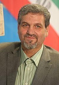 Mostafa Kavakebian registering at the 2017 Iranian presidential election.jpg