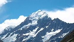 El Monte Cook (Nueva Zelanda) representa el Caradhras en la adaptación de El Señor de los Anillos de Peter Jackson.